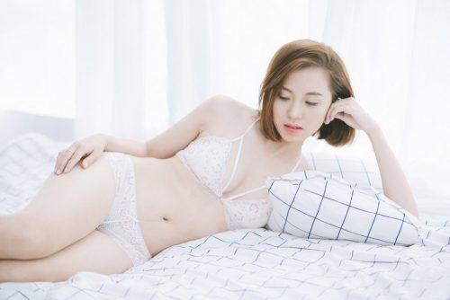 Gái xinh mặc bikini trong suốt Quỳnh Anh